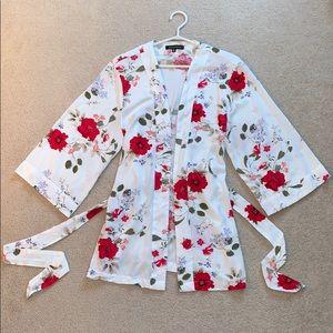 Dynamite // White floral kimono